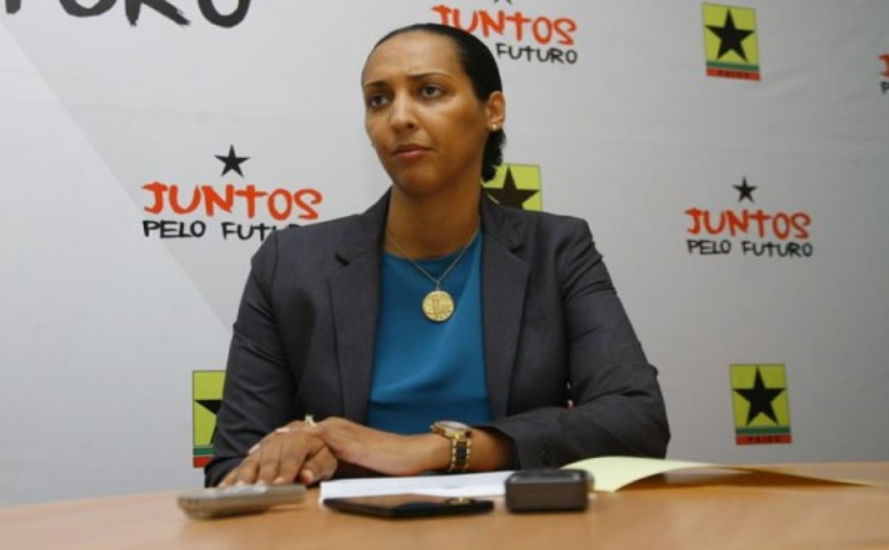 Janira Hopffer Almada