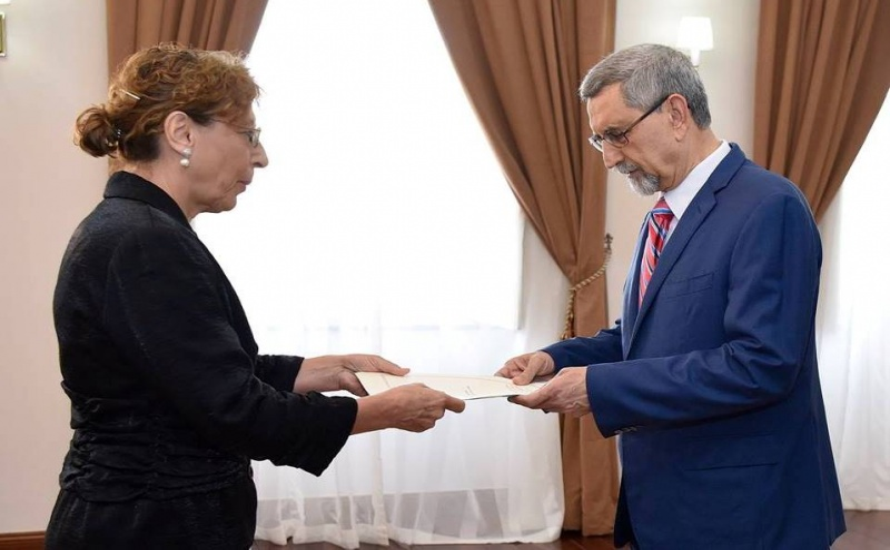 Elena Stefoi e Jorge Caros Fonseca
