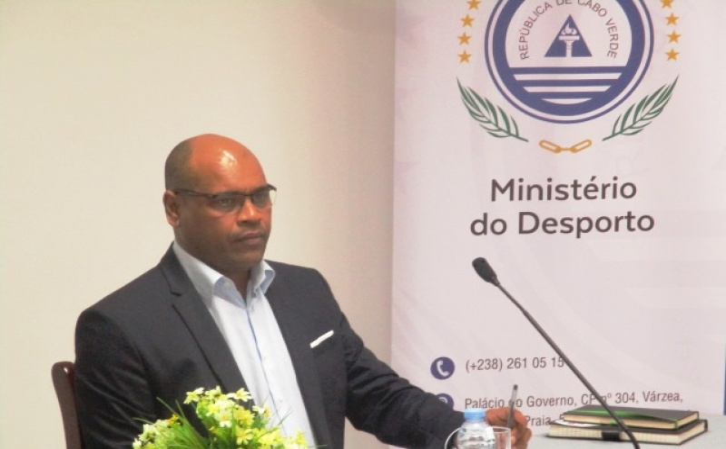 Ministro do Deporto, Fernando Elísio Freire