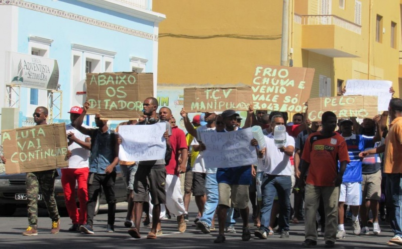 Manifestação dos vigilantes em São Vicente