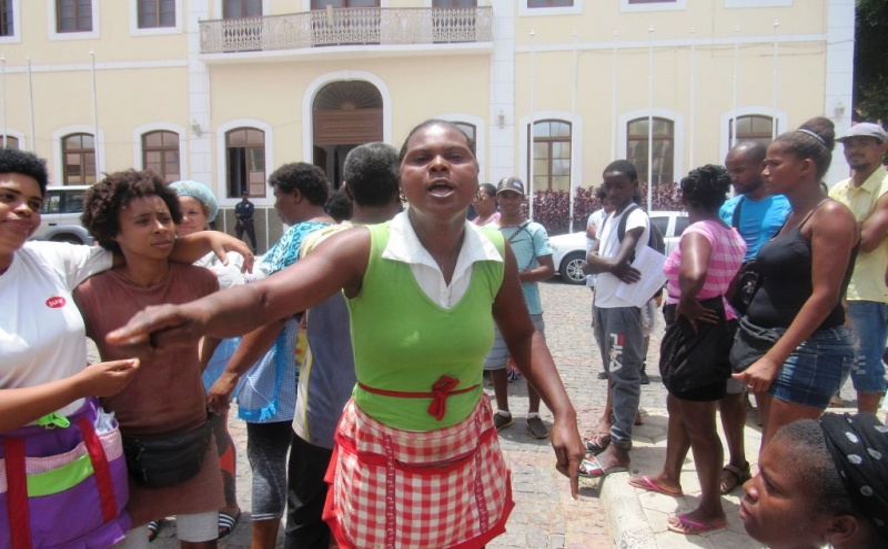 Vera Gomes, uma das 'rabidantes' em protesto
